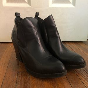 Urban Outfitters Black Point-Toe Booties, Size 9